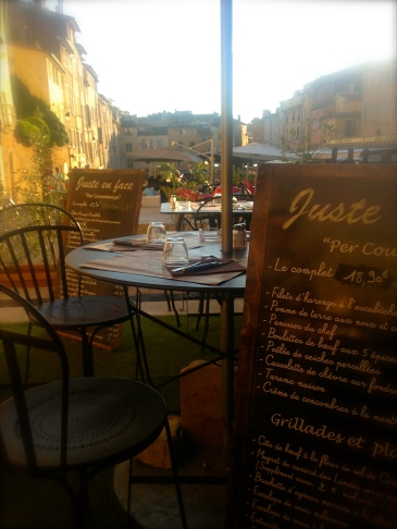 Juste en Face. A great place to eat!